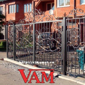 Кованый забор с воротами Викамет