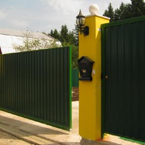 Ворота из зеленого профнастила