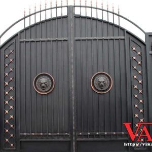Ворота со львом Арка