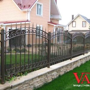 Кованый забор с поликарбонатом Викамет